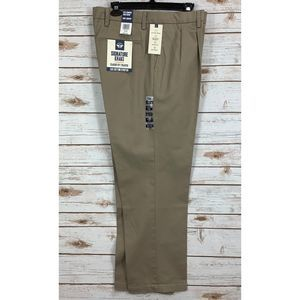 Dockers Classic Fit Signature Khaki Pleated Pants